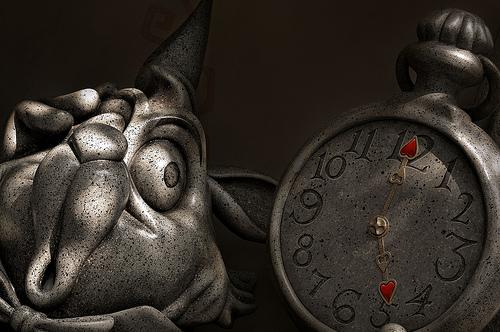 Coniglio con orologio