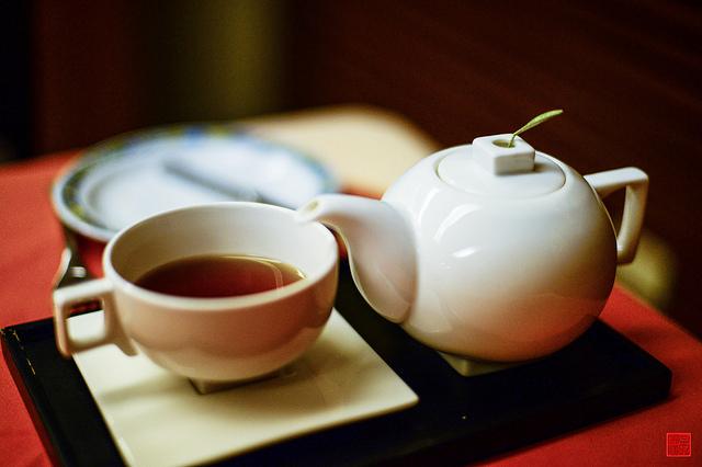 mindfulness bevendo il tè