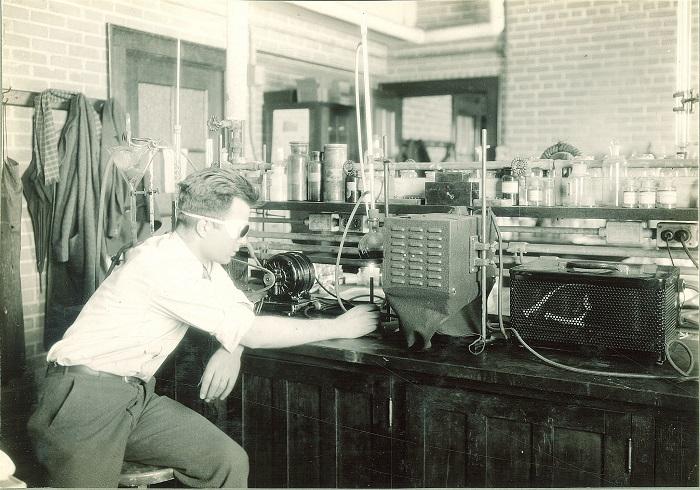 Un vecchio laboratorio chimico