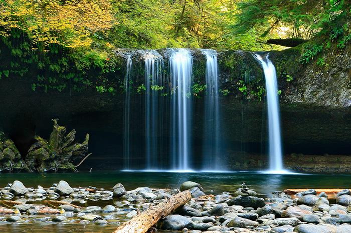 waterfalls-802003_1280